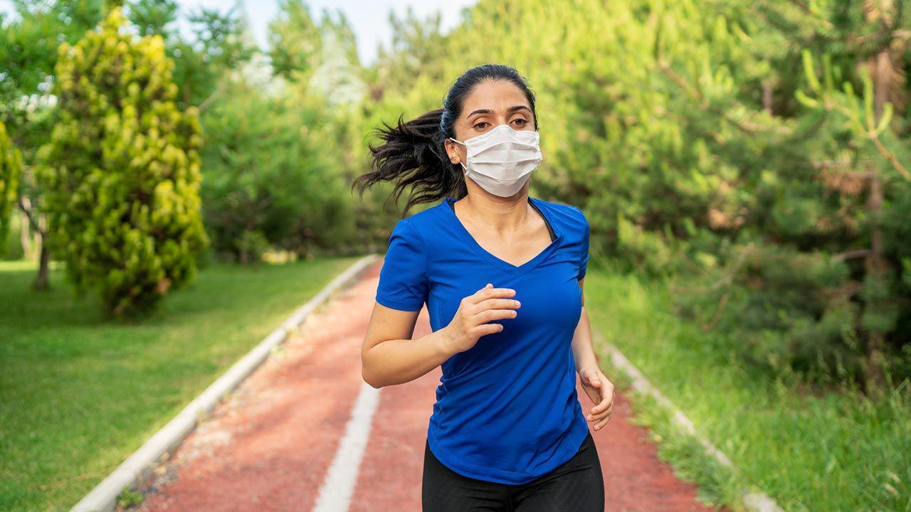 Los ejercicios de fuerza con pesas, ¿antes o después del cardio? - Salir a correr