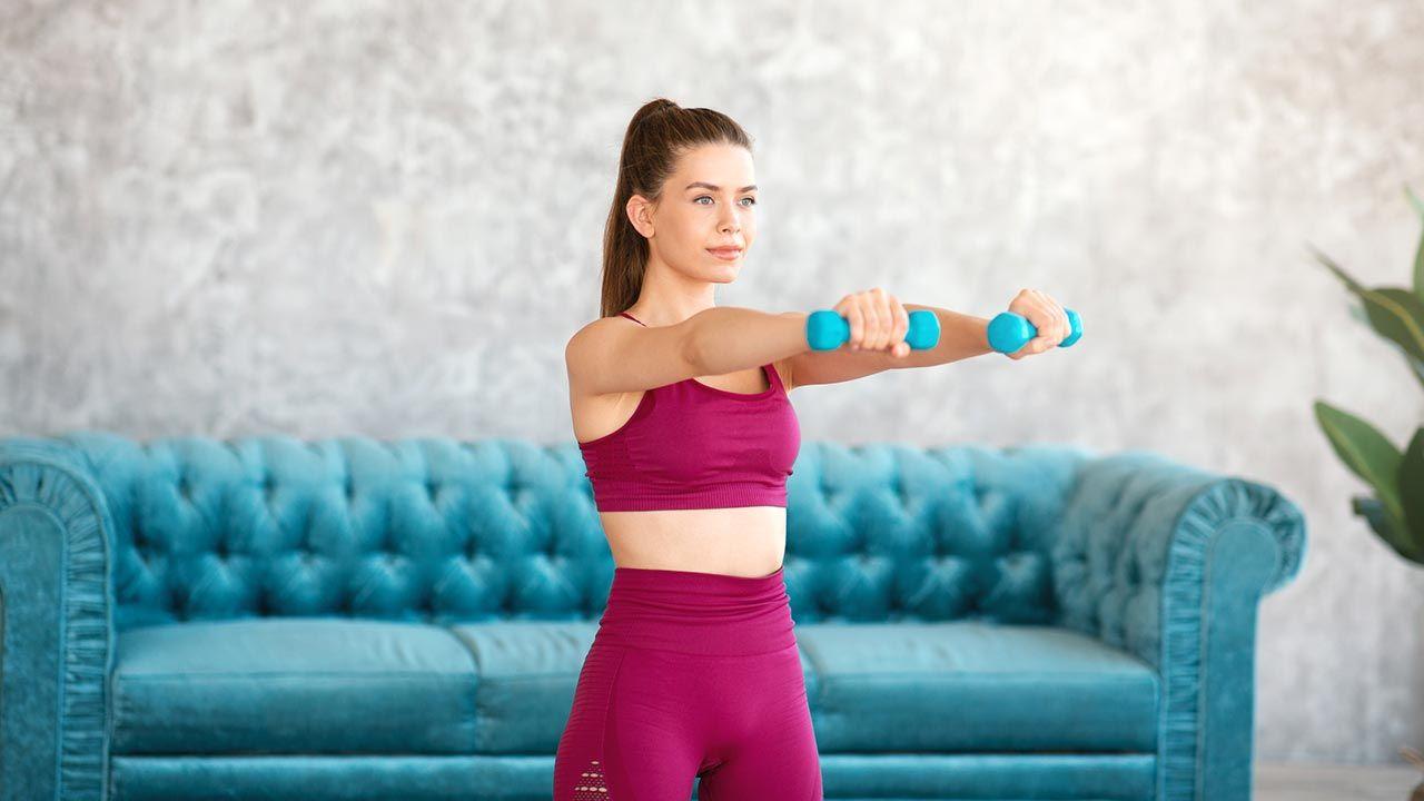 Los ejercicios de fuerza con pesas, ¿antes o después del cardio? - Hacer pesas en casa
