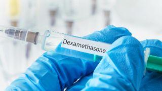 Colchicina: qué es y por qué se ha convertido en la nueva esperanza para hacerle frente a la COVID-19 - Dexametasona