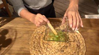Tónico de uva, un remedio natural con el que retrasar la aparición de las arrugas - Verte un vaso de agua