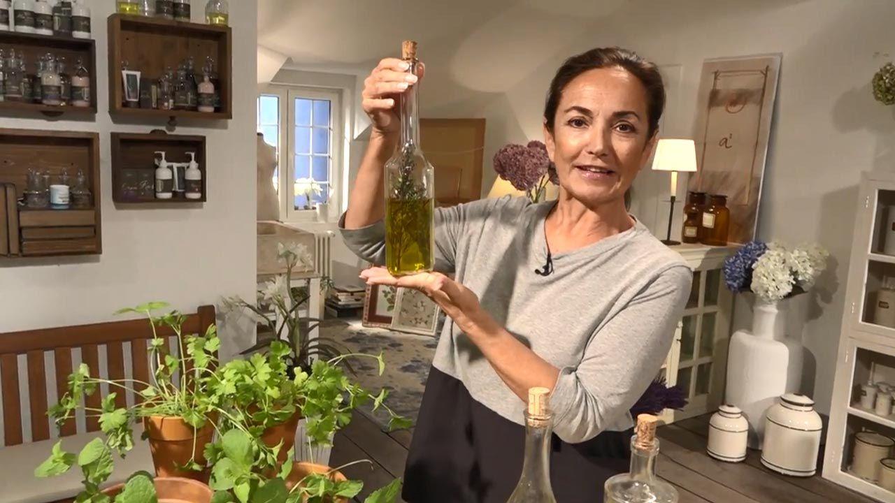 Truco para aromatizar el aceite de oliva - Aceite de romero
