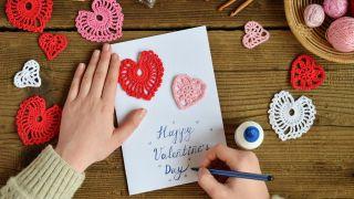 Postales de crochet y lettering para San Valentín