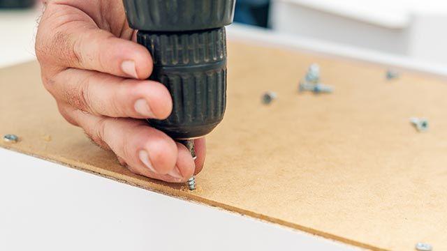 ¿Cómo arreglar un cajón desfondado?