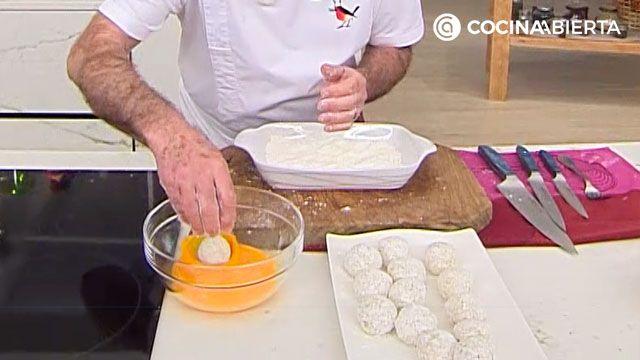 Trucos de Arguiñano para hacer croquetas con arroz sobrante (y que no se rompan) - paso 2