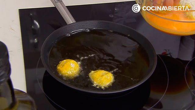 Trucos de Arguiñano para hacer croquetas con arroz sobrante (y que no se rompan) - paso 3