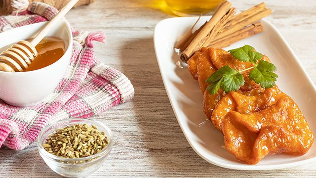 Receta de pestiños con miel típica de Andalucía
