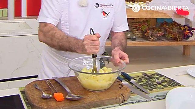 Puré de patatas cremoso de Karlos Arguiñano - paso 3