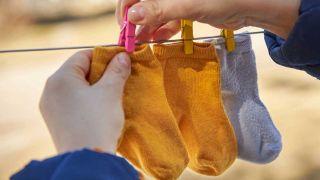 Cómo quitar las manchas de slime de la ropa