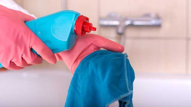 Cómo sacar las manchas de sangre de la ropa, sábanas y colchón
