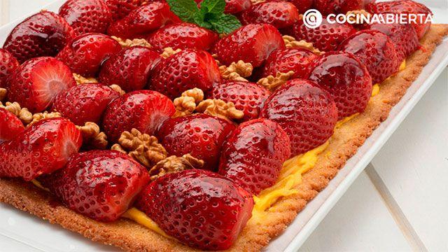 Receta de tarta de fresas con crema pastelera de Eva Arguiñano
