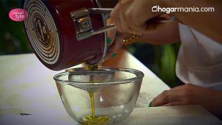 Exfoliante corporal de melisa y limón para eliminar el sebo y las imperfecciones - Paso 4