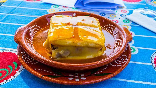 Francesinha, el famoso sándwich de Portugal - Gratinado