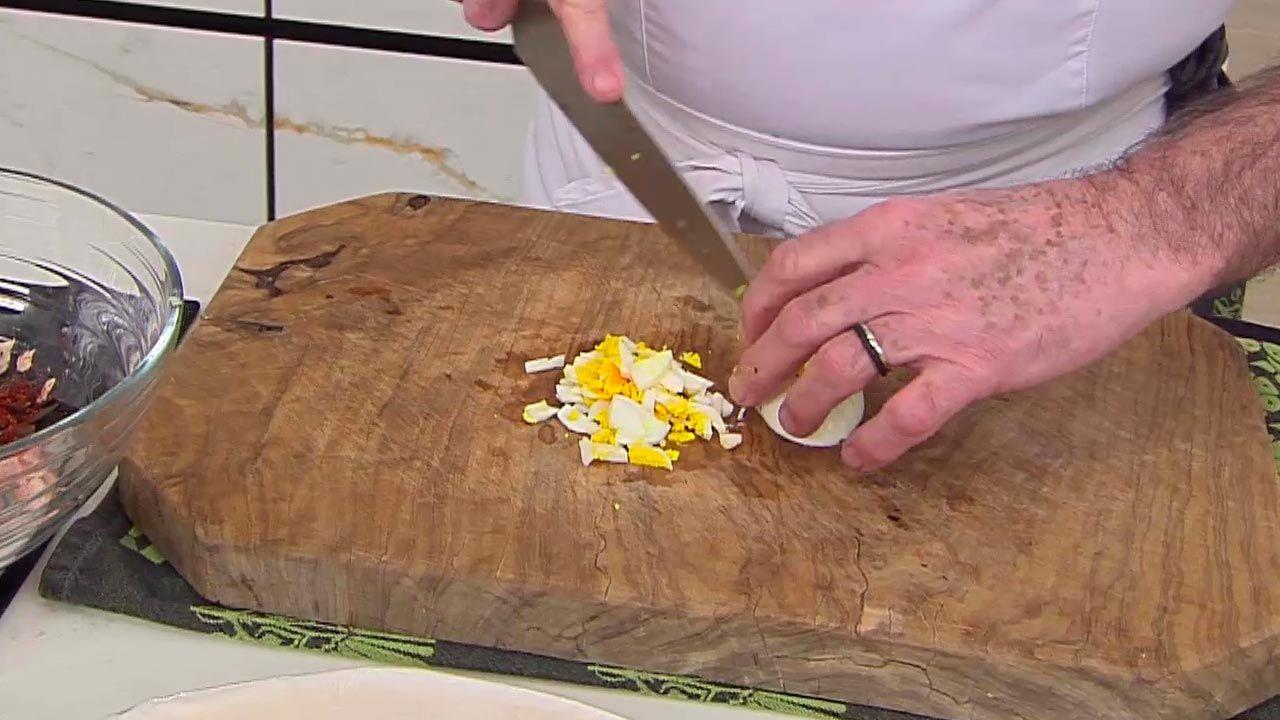 Rollitos de pasta brick rellenos de atún