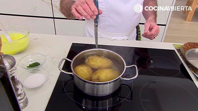 Codillo con piña y puré de patata