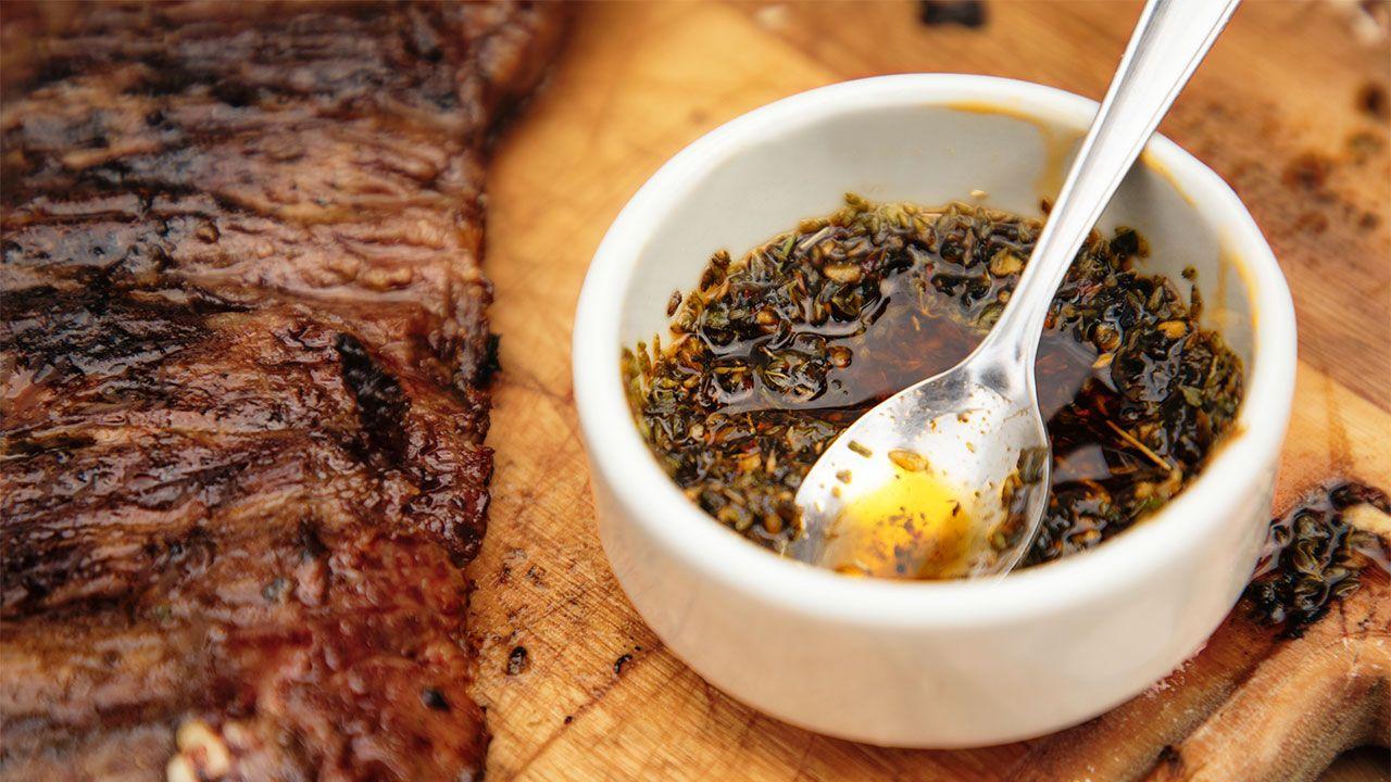 Salsa chimichurri, receta original argentina