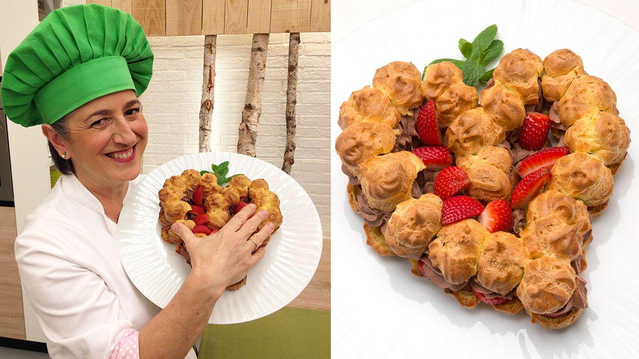 Postres, dulces y tartas para San Valentín - Corazón de pasta choux con chocolate y fresas
