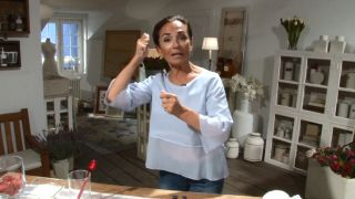Tips para que tus cosméticos duren más - Cepillarse el pelo