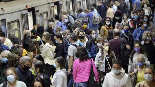 Todo lo que debes saber sobre las mascarillas FFP2 - Transporte público