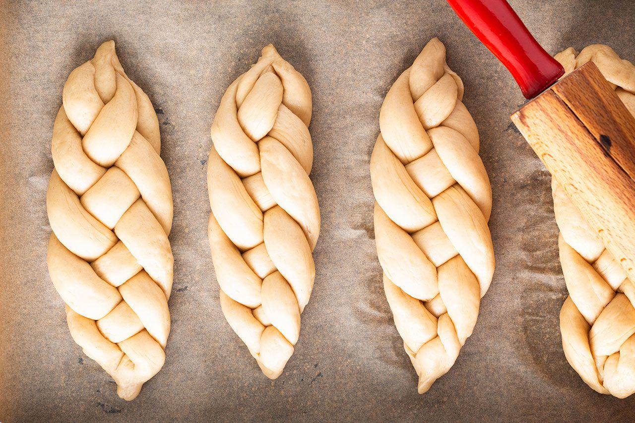Pan trenzado dulce judío de 4 cabos