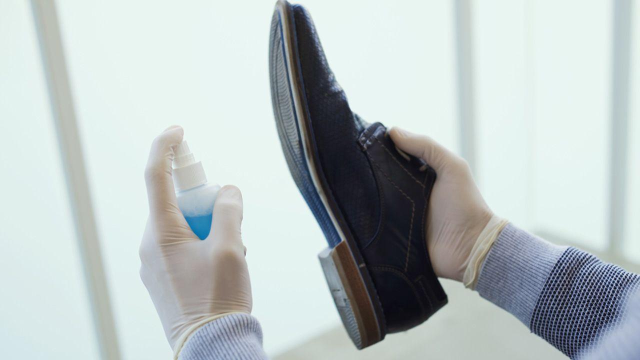 Trucos para evitar que los zapatos resbalen