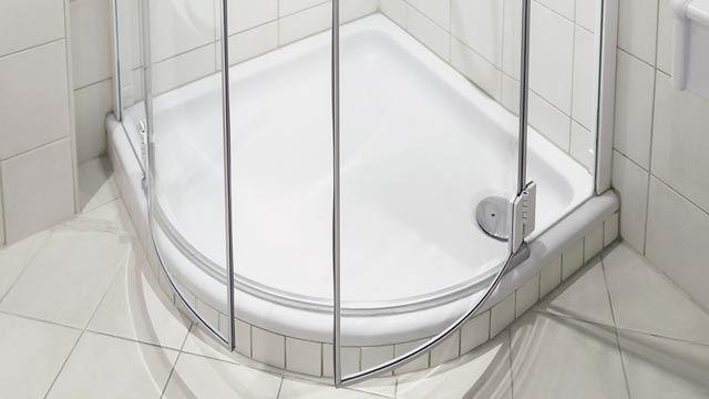 Cómo limpiar la mampara de la ducha si tiene moho