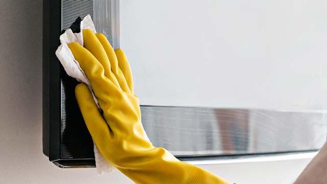 Cómo limpiar la pantalla de un televisor o Smart tv