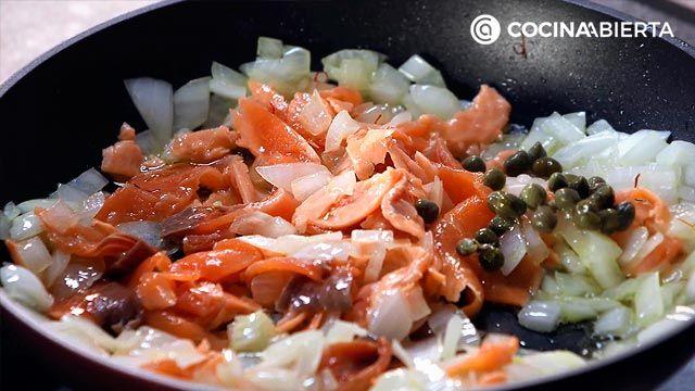 Paso 2 de la receta de Arroz con salmón