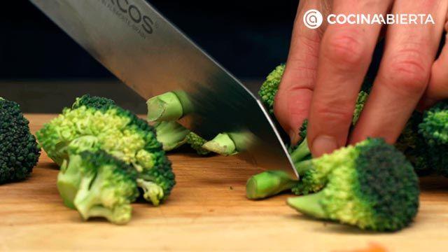 Paso 1 de la receta de Wok de carne de conejo y verduras
