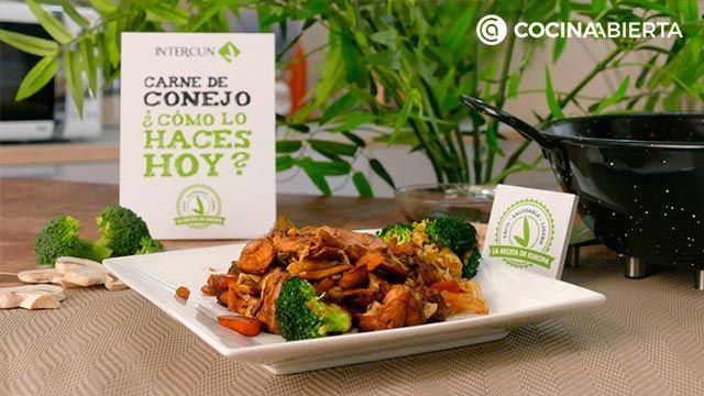 Paso 6 de la receta de Wok de carne de conejo y verduras