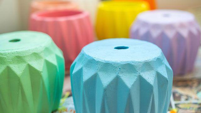 Pintar tiestos en colores pastel