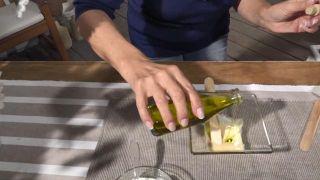 Mascarillas caseras de yema y clara de huevo para la piel seca y grasa - Aceite de oliva