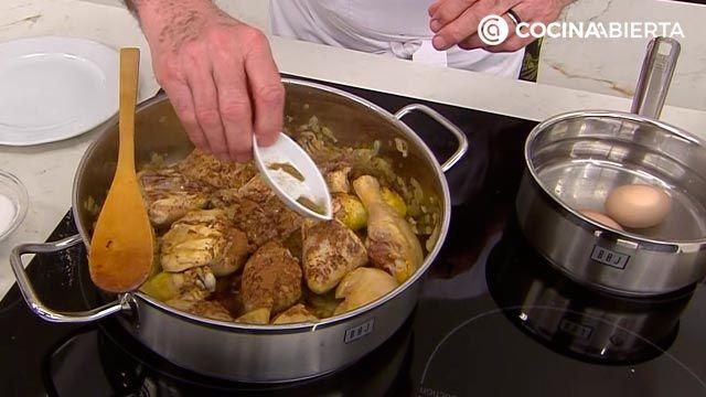 Pollo en pepitoria, la receta tradicional de Karlos Arguiñano - paso 2