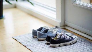 SQué es la piedra de alumbre y por qué se utiliza como desodorante - Olor zapatillas