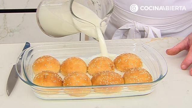 Mini torrijas de pan (con bollitos de hamburguesa), la receta más cremosa de Karlos Arguiñano - paso 2