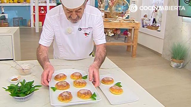 Mini torrijas de pan (con bollitos de hamburguesa), la receta más cremosa de Karlos Arguiñano - paso 4