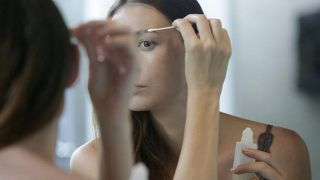 Remedios naturales para hacer crecer las cejas - Vaselina