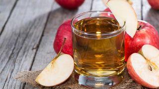 4 remedios naturales para la gastritis - Zumo de manzana
