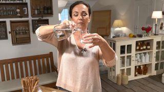 Aromaterapia: Cómo hacer un ambientador de mikado casero - Agua