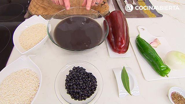 Arroz congrí por Karlos Arguiñano, la popular receta cubana de arroz con alubias negras - paso 1
