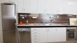 Cómo sustituir puertas de los armarios de la cocina