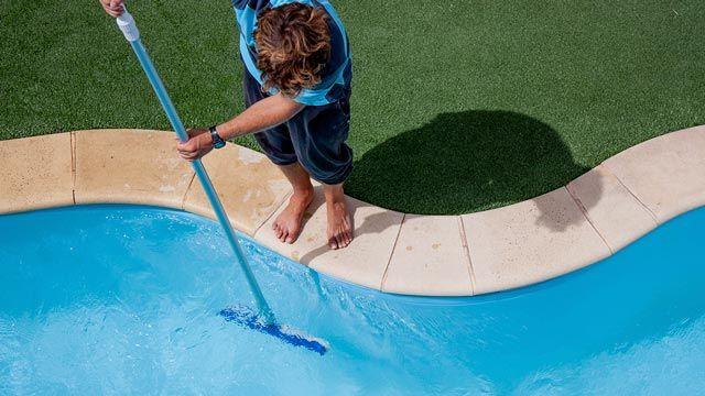 Cómo limpiar la piscina paso a paso