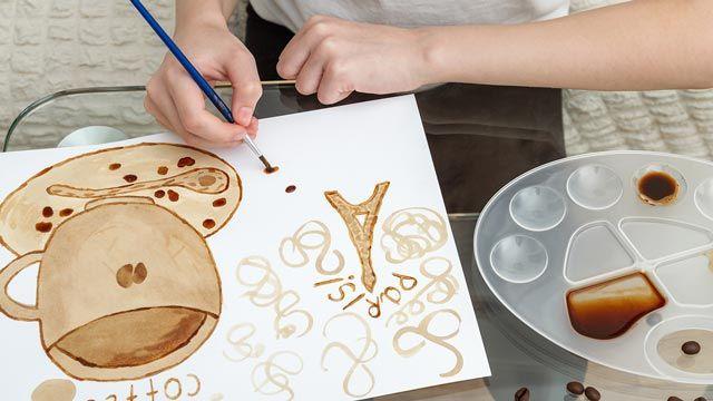 Cómo hacer pintura con los restos de café