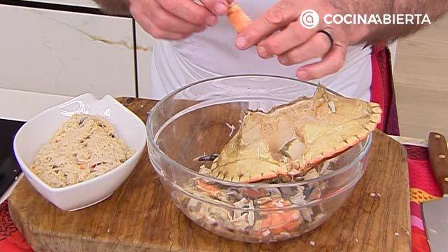 Crepes rellenos de txangurro con salsa verde por Karlos Arguiñano - paso 1