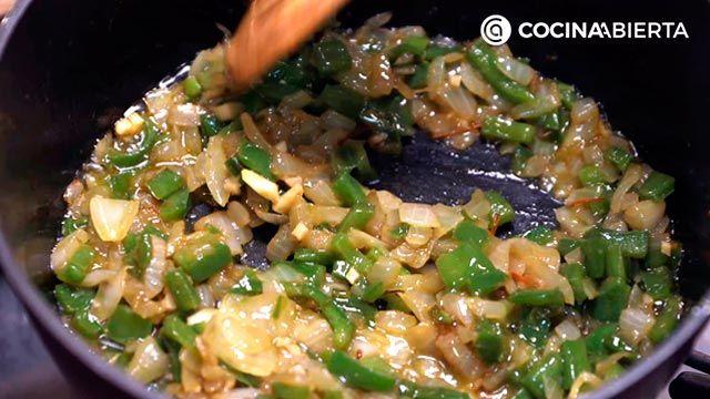 Paso 3 de la receta de Arroz meloso con gambones