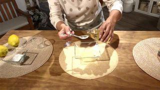 Exfoliante casero para el cuidado de las manos - Aceite de almendras dulces