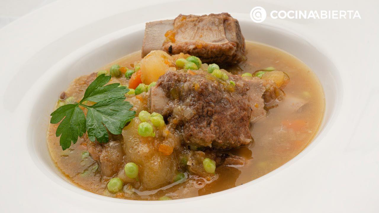Guiso de costilla de cerdo con verduras