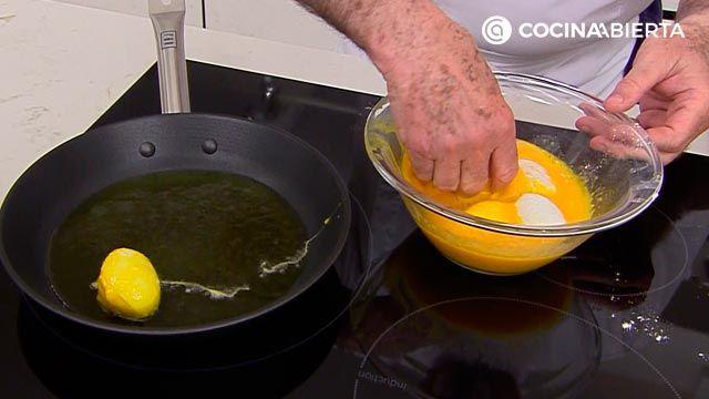 Huevos rellenos de jamón (con bechamel) por Karlos Arguiñano - paso 5
