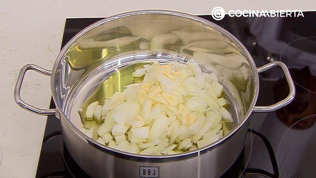 Medallones de conejo guisado con salsa de cítricos, la receta de Karlos Arguiñano - paso 1