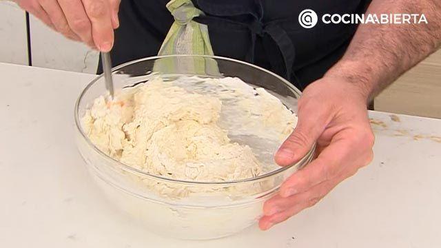 Pan de espiga, la receta más fácil de Joseba Arguiñano - paso 1