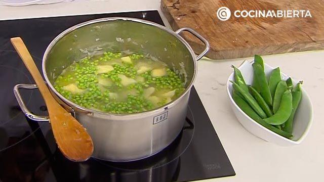 Patatas con guisantes y jamón por Karlos Arguiñano - paso 2